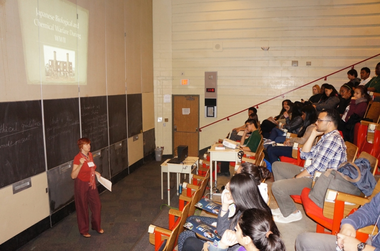 Margaret Wells presenting her workshop to the students.